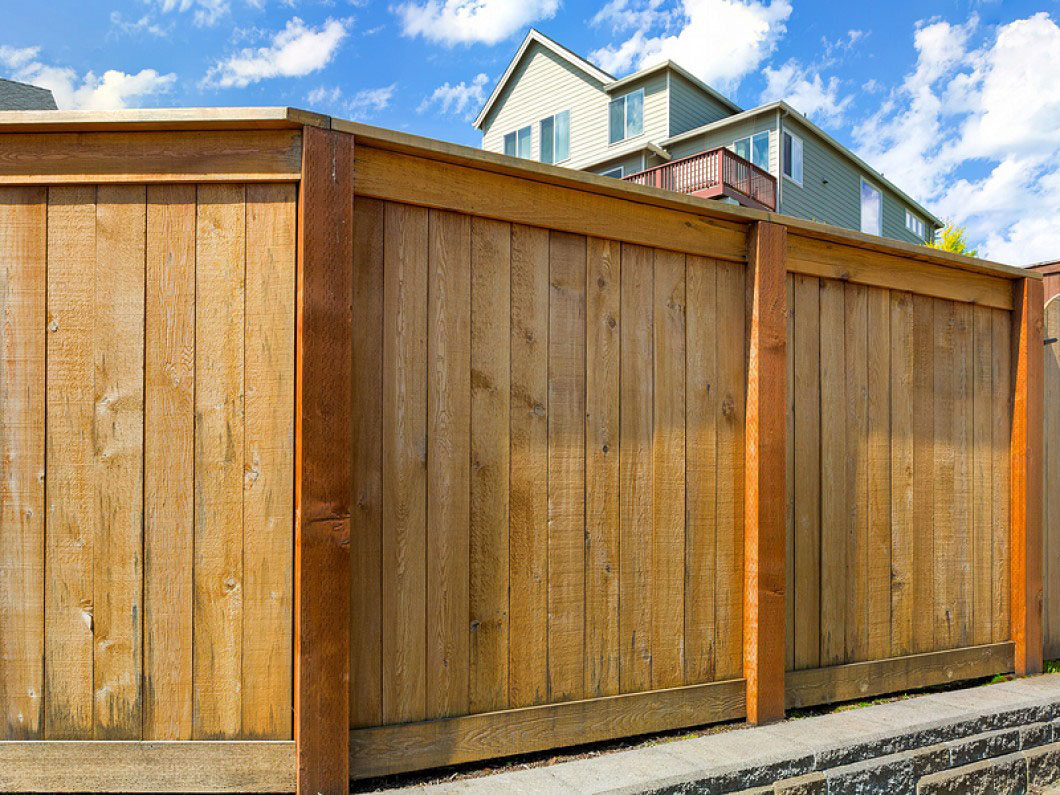 wood fencing in greenville sc